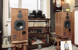 Техно-М (акустика Harbeth SHLplus 40 Anniversary Edition), комната №202