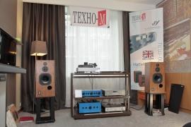 "Компания ""Техно-М"" (акустика Harbeth Audio, электроника Sugden)"